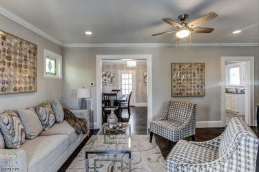 77 Van Ess - Living room