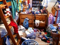 messy-bedroom